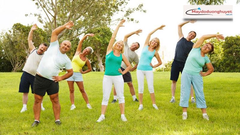 Tập thể dục thường xuyên để kiểm soát mức huyết áp. (Ảnh: Internet)