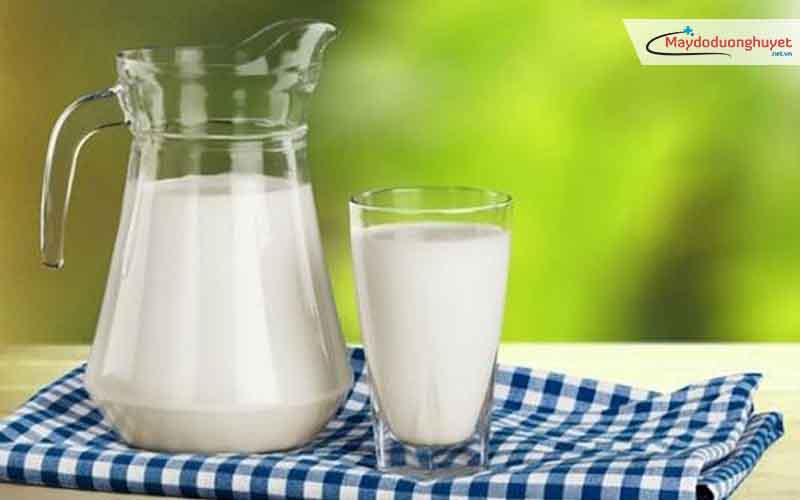 Uống sữa giúp phòng chống bệnh đái tháo đường và bệnh huyết áp