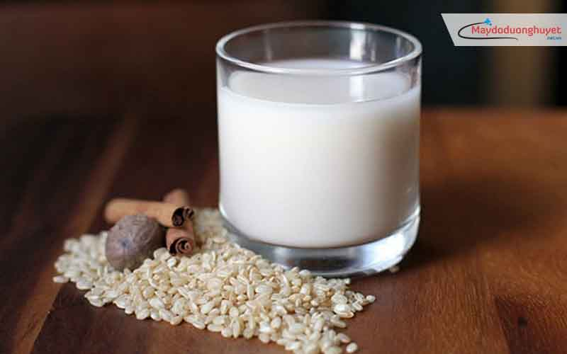 Sữa gạo được cho là chứa nhiều canxi và kali, rất tốt cho người cao huyết áp.